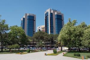 Twin Towers, Tirana