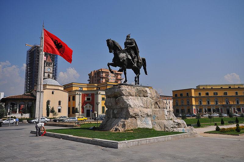 Αποτέλεσμα εικόνας για skanderbeg statue